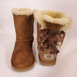 Ugg Bailey Bow Boots CHESTNUT SUEDE3280Y